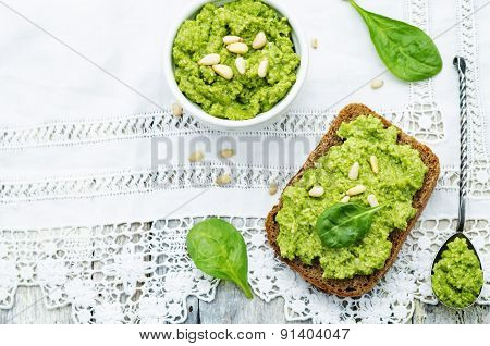 Sandwich With Spinach Pesto