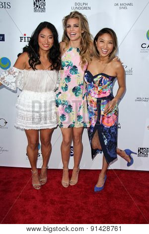LOS ANGELES - MAY 21:  Chloe Flower, AnnaLynne McCord, Jeannie Mai at the 17th From Slavery to Freedom Gala at the Skirball Center on May 21, 2015 in Los Angeles, CA
