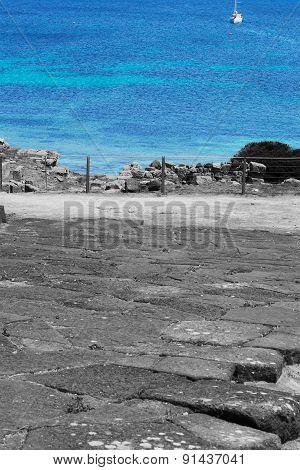Selective Desaturation In Tharros Coastline
