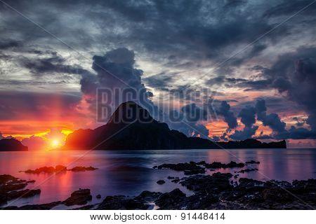 Stunning Sunset Scenery In El Nido, Philippines