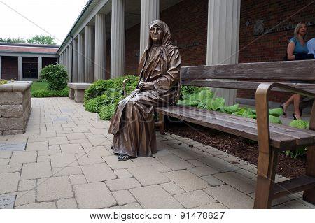 Sculpture of Mother Teresa