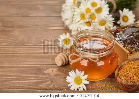 Honey, Chamomile And Pollen