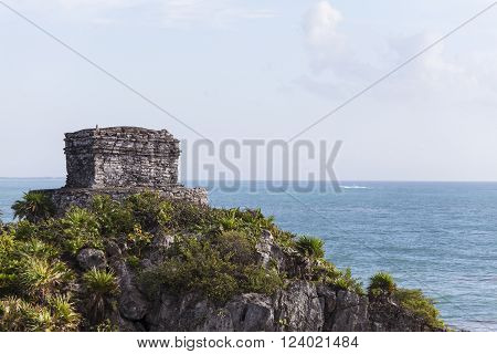 maya ruins and the sea in tulum