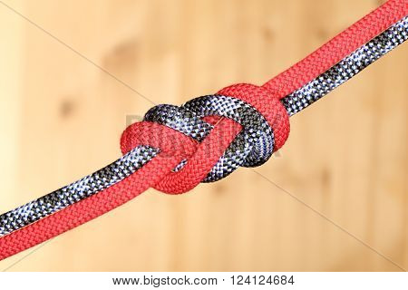 double eight knot with different colored ropes