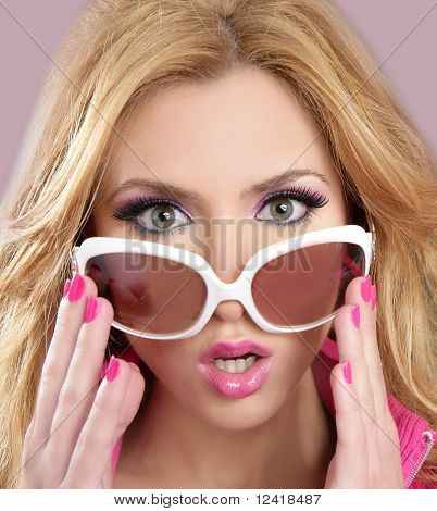 Fashion Doll Style Blode Girl Pink Makeup