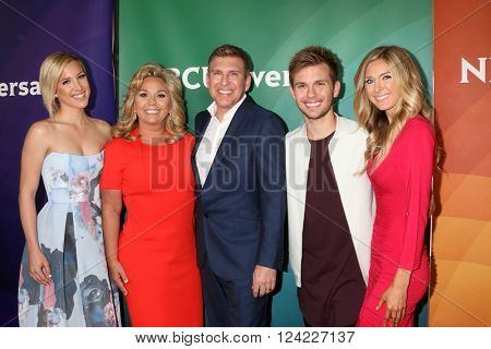 LOS ANGELES - APR 1:  Savannah Chrisley, Julie Chrisley, Todd Chrisley, Chase Chrisley, Lindsie Chrisley at the NBC Summer Press Day at the Four Seasons Hotel on April 1, 2016 in Westlake Village, CA