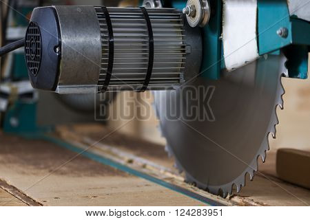 circular wood buzz saw for wood and timber materials