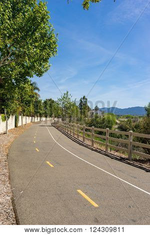 Santa Clarita California paseo walking trail and bike trail.