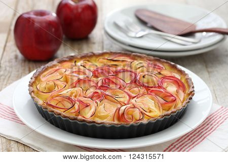 apple tart like bouquet of roses