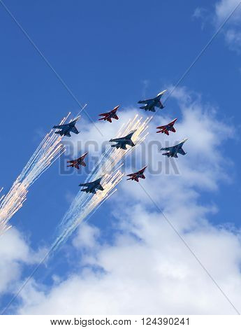 MOSCOW - MAI 5:  Aerobatic team of Russian military aircrafts