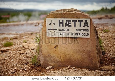 Danger sign, haetta in icelandic, and other languages
