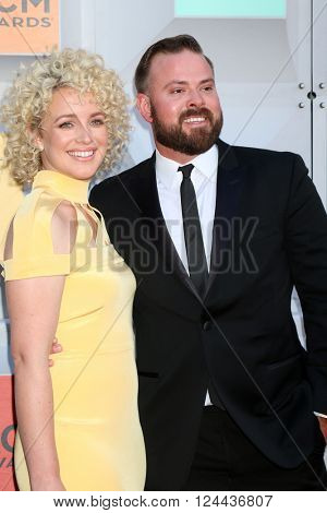 LAS VEGAS - APR 3:  Cam, Adam Weaver at the 51st Academy of Country Music Awards Arrivals at the Four Seasons Hotel on April 3, 2016 in Las Vegas, NV