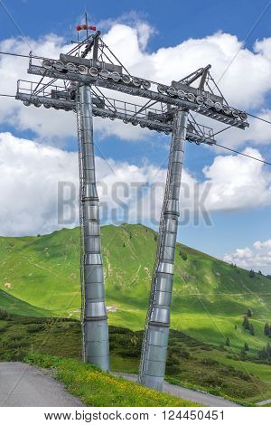 Pillar with drive of a cableway in the mountains