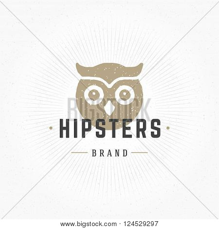 Owl head Hand Drawn Design Element in Vintage Style for Logotype, Label, Badge, T-shirts and other design. Hunting club Retro vector illustration. Owl Head Silhouette, Retro Logo.