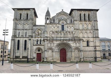 The Eglise Sainte-Croix (Church of the Holy Cross) is a Roman Catholic abbey church in Bordeaux southern France