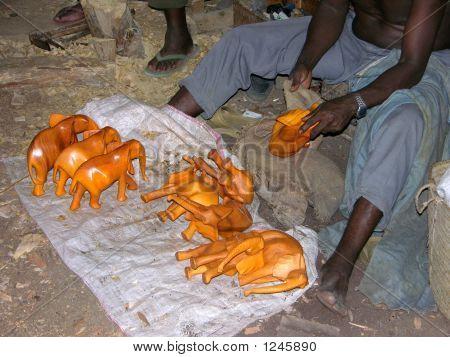 El tallador de elefante