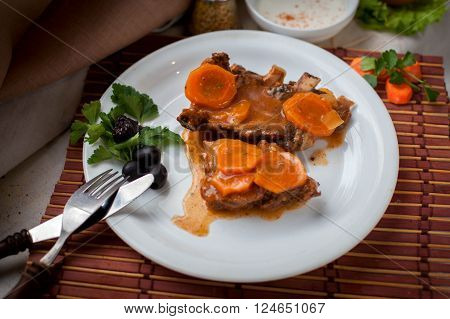 Fried pork ribs with red carrot souce