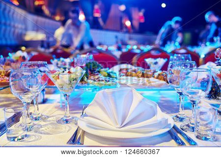 Catering service. set table