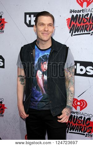 LOS ANGELES - APR 3:  Brent Smith at the iHeart Radio Music Awards 2016 Arrivals at the The Forum on April 3, 2016 in Inglewood, CA