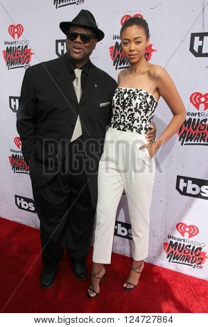 LOS ANGELES - APR 3:  Jimmy Jam at the iHeart Radio Music Awards 2016 Arrivals at the The Forum on April 3, 2016 in Inglewood, CA