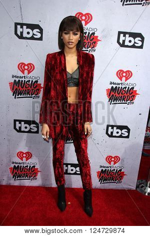 LOS ANGELES - APR 3:  Zendaya Coleman at the iHeart Radio Music Awards 2016 Arrivals at the The Forum on April 3, 2016 in Inglewood, CA