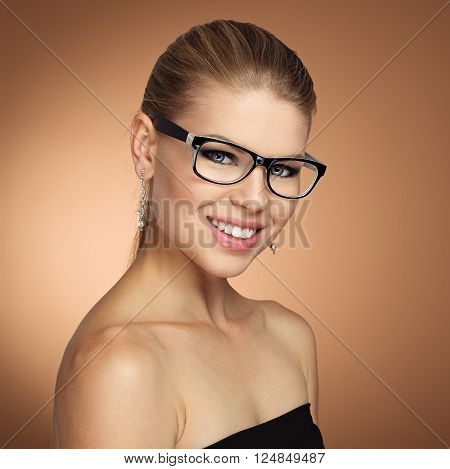 Beauty portrait of vogue female wearing stylish spectacles. Optician woman, eyewear and vision.