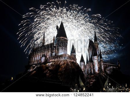 LOS ANGELES - APR 05:  Atmosphere at the Wizarding World of Harry Potter Opening  on April 05, 2016 in Hollywood, CA.