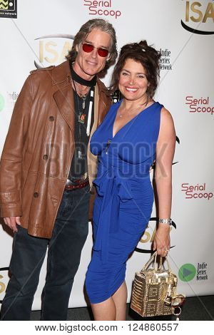 LOS ANGELES - APR 6:  Ronn Moss, Devin DeVasquez at the 7th Annual Indie Series Awards at the El Portal Theater on April 6, 2016 in North Hollywood, CA