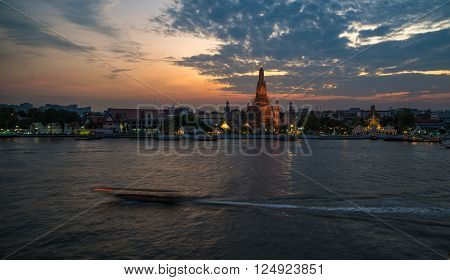 Wat Arun Temple In Sunset, Bangkok Landmark
