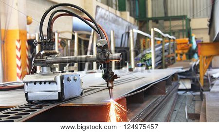 Cutting Machine For Steel Sheet