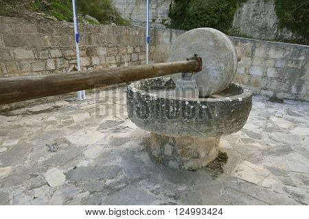 Old Olive Press with Stone Roller Kritou Terra, Cyprus