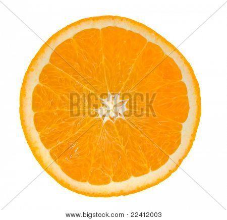 rebanada de naranja sobre blanco