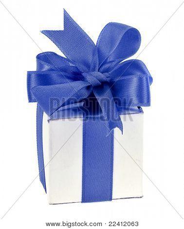 caixa de presente com laço azul