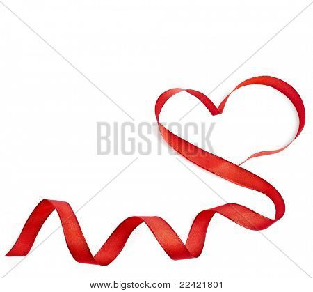 cinta de corazón rojo aislada sobre fondo blanco