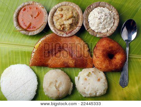 Masala Dosa, Idly, Vada, Chutney, Upma And Sambar
