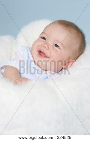 Bebé niño sonriente