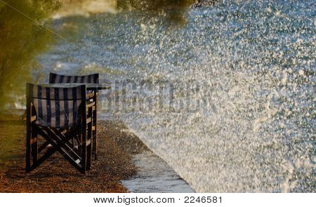 Tables And Waves Splash