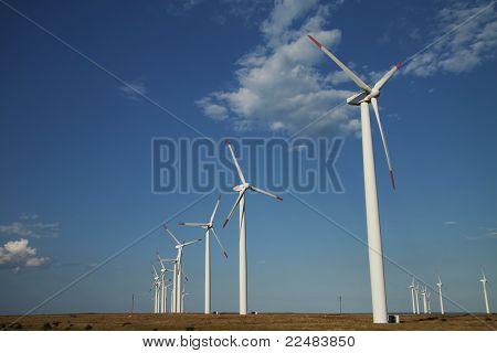 Série de geradores de energia eólica
