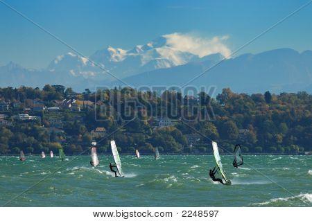 Caen Sailboarding en el lago Lemán