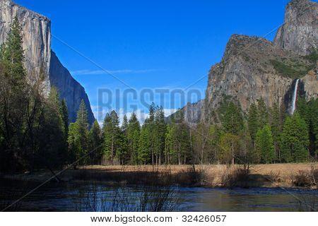 El capitain and Bridalveil Falls
