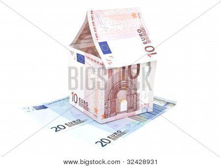 Ten Euro Note House Construction