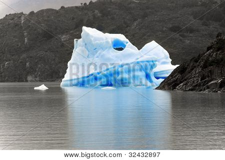Ice berg, Torres del Paine, Chili