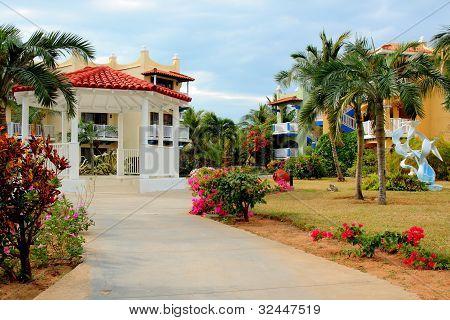 jardines y cenador tropical resort