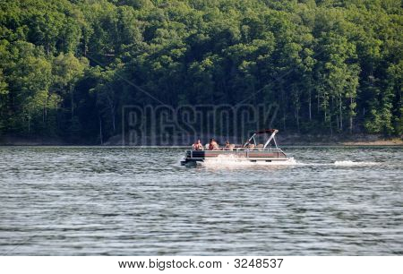 Pontoon Boating In Kentucky