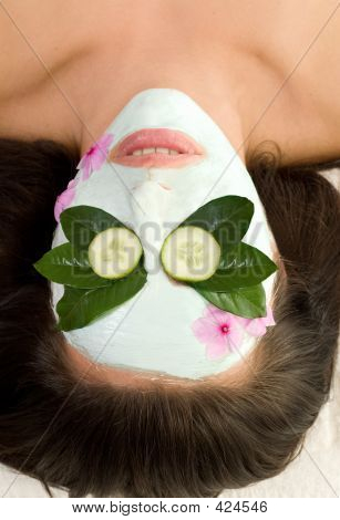 Soothing Green Tea And Cucumber Mask