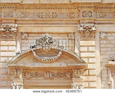 Baroque tympanum, Italy