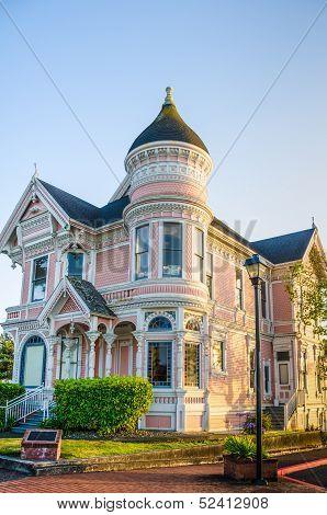 Pink Lady Mansion in Eureka