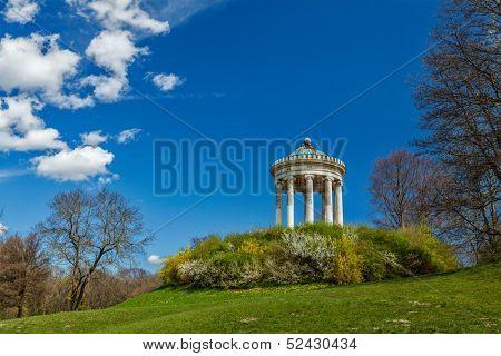 Monopteros - Greek style temple in Englischer Garten. Munich, Germany