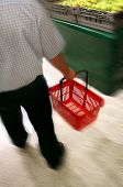 foto of clientele  - shopping in grocery store - JPG