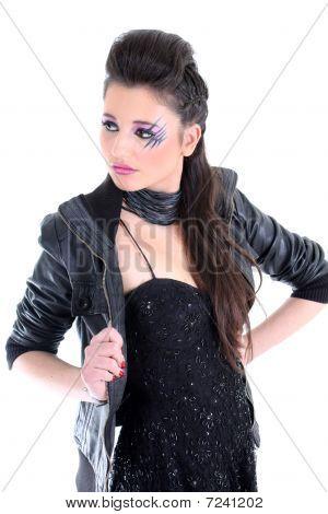 Junge schöne Mädchen In schwarzen Kleid